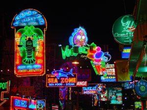 neon-lights-226174_960_720